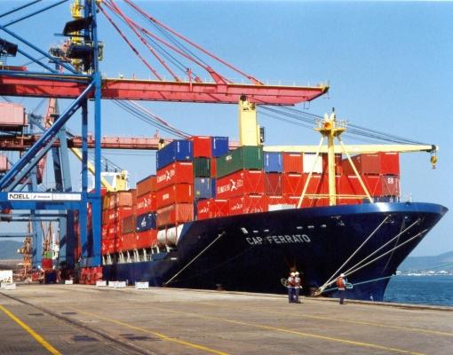 Balança comercial acumula superávit de US$ 60,285 bilhões no ano