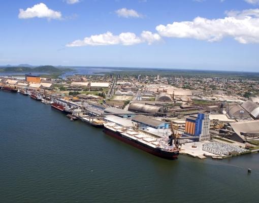 Porto de Paranaguá fecha ano com recorde de 51,5 milhões de t movimentadas