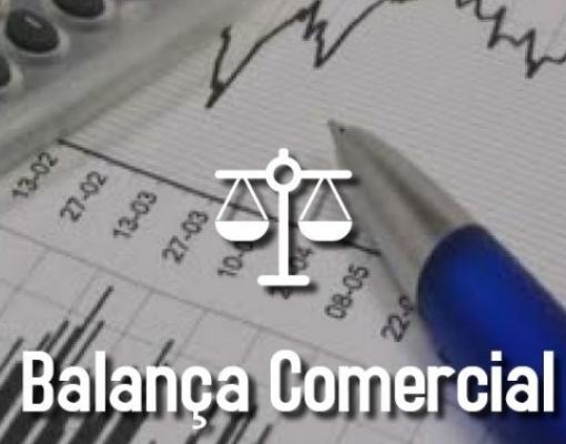 Balança comercial tem superávit de US$ 3,1 bi no início de maio