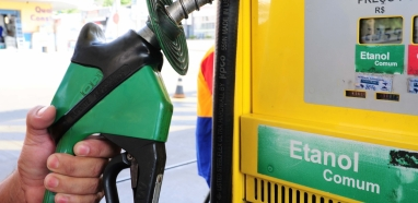 Senado aprova venda direta de etanol aos postos, mas preço do produto cairá nas bombas?