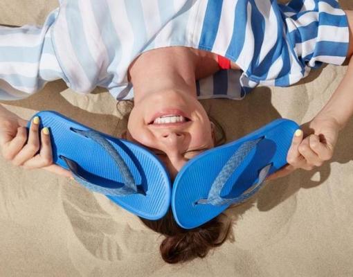 A marca americana aproveita o apelo das matérias primas renováveis em três linhas de calçados (foto: Divulgação / Allbirds)