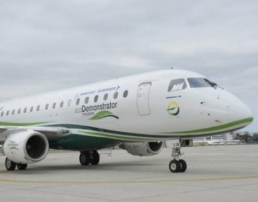Aeronave da Embraer testou combustível com 10% de bioquerosene de cana em 2016 (foto: divulgação Embraer)
