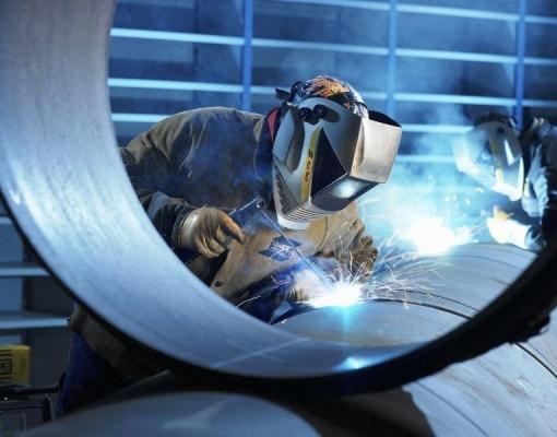 Indústria do Brasil fecha ano com produção mais forte em 9 meses