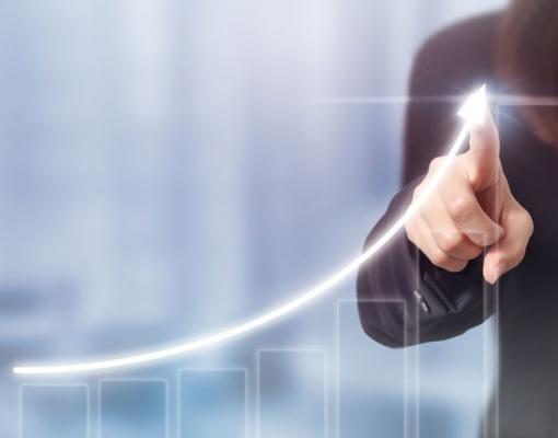 Setor de serviços no Brasil cresce em janeiro com novos negócios atingindo pico em 6 anos, mostra PMI
