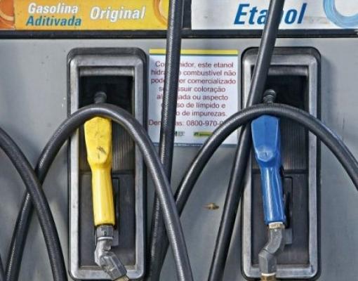 Etanol e diesel ganham força, e consumo de combustível cresce 4% em janeiro