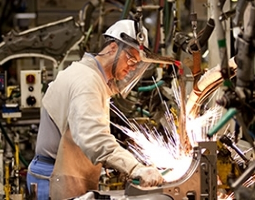 Com crescimento de 10%, Paraná lidera produção industrial brasileira