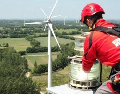 Energia renovável emprega cada vez mais