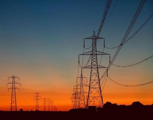 Tarifa de energia no Brasil pode cair em 2020 após anos de alta