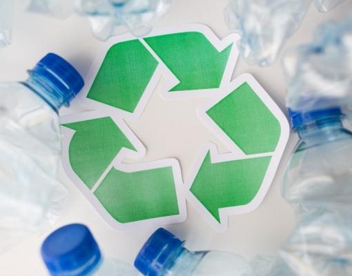 Europa lança plano para economia circular para reduzir impacto do plástico e veículos elétricos